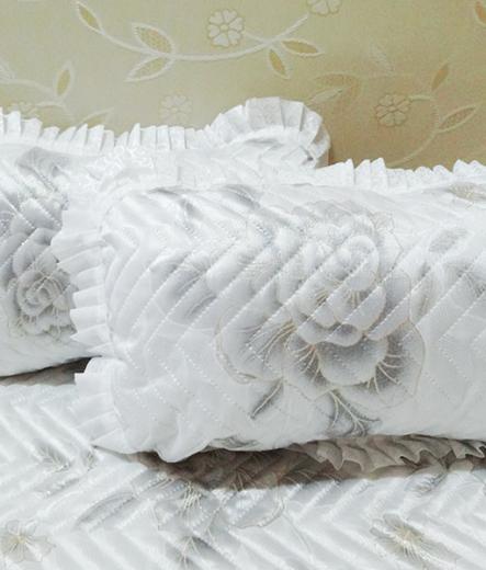 Кувертюра за спалня Бяло цвете